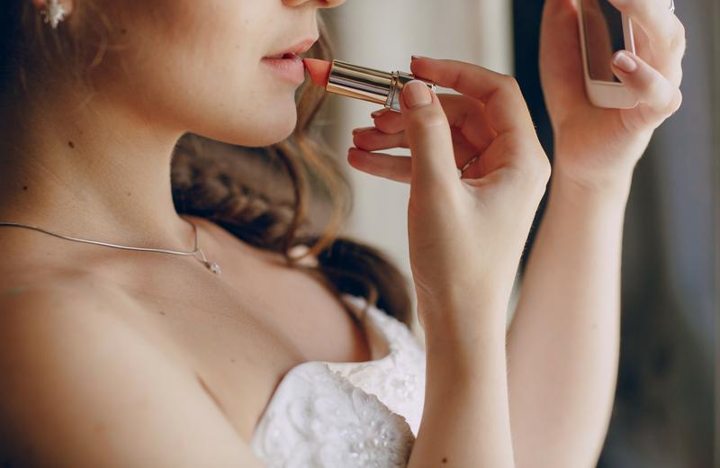 Bride Lipstick Wedding Beauty Timeline Casey Green Weddings